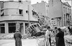 300px-Bundesarchiv_Bild_141-1005,_Belgrad,_Zerstörungen