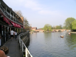 River_and_royal_shakespeare_theatre_15a07